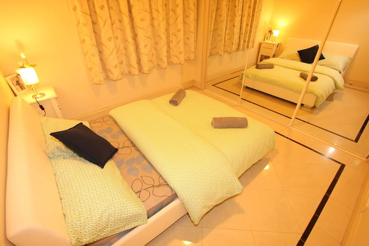B-Tropical staly double room&close to the airport
