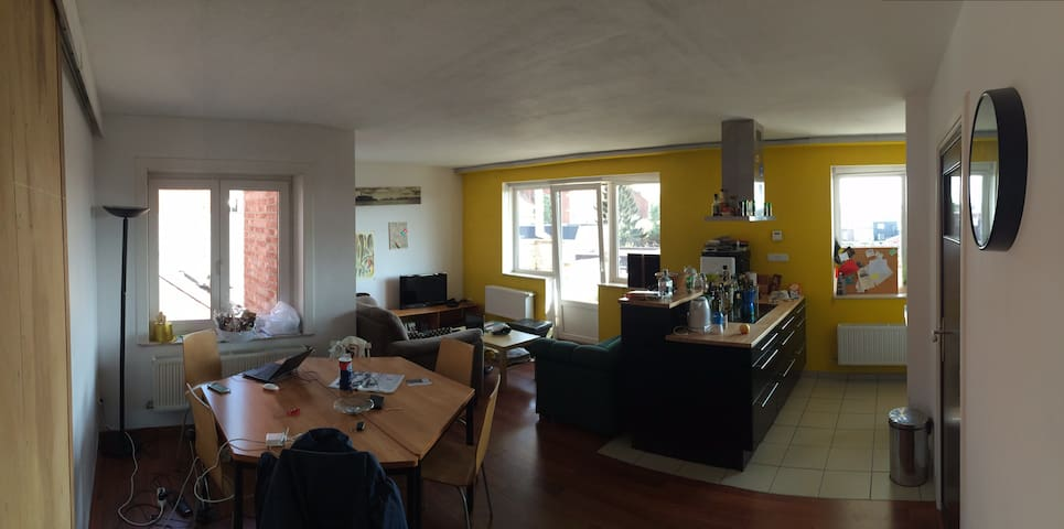 Room in beautiful appartment,with huge sun terrace - Leuven - Byt