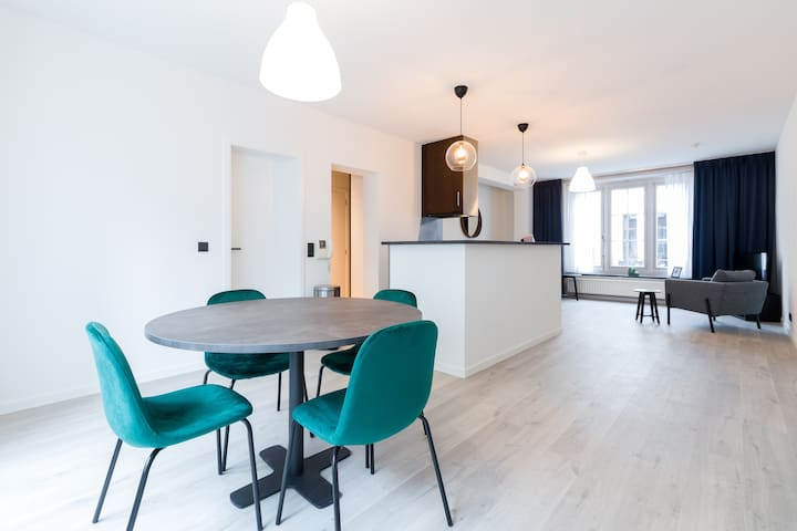 b1b: Luxury apartment with terrace in center Ghent
