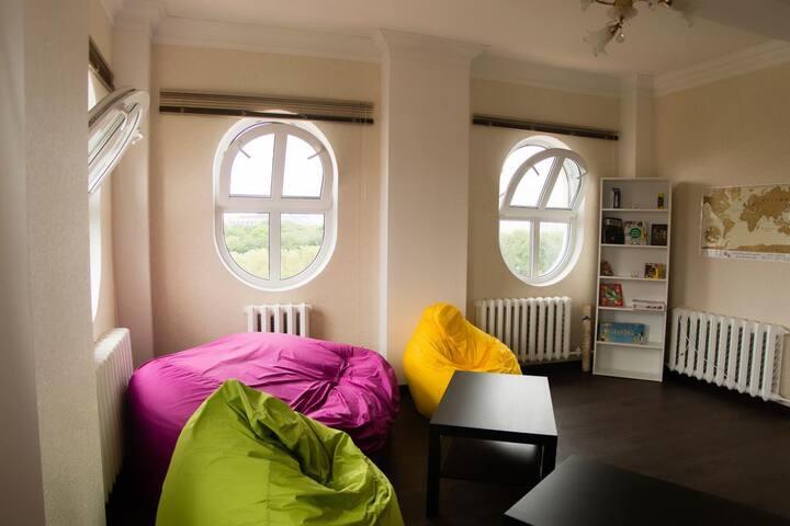 Кровать в общем 6 - местном номере (2)