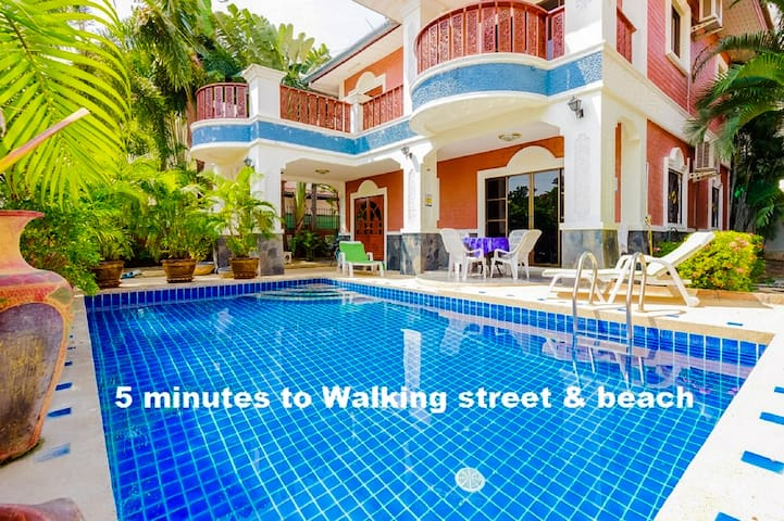 Villa 5 Bedroom 5 minutes Walking Street & beach - Pattaya  - House
