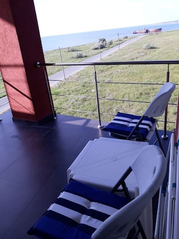 New sea view 1 bedroom apartment by the beach