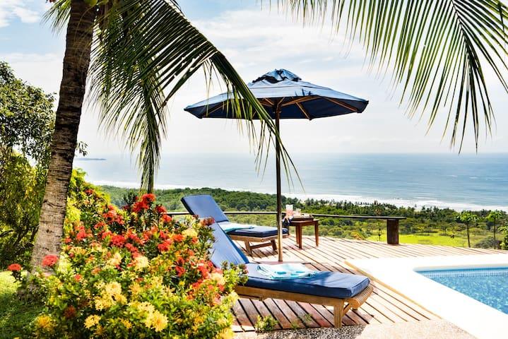 Cristal Azul - Barefoot Luxury on the Beach! - Playa San Miguel - Bed & Breakfast