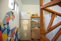 五樓公共空間 冰箱  Public area – The Fifth floor: refrigerator