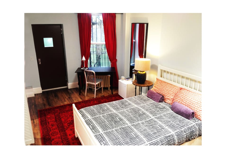 Large suite private bathroom by central park for Rooms for rent in nyc with private bathroom