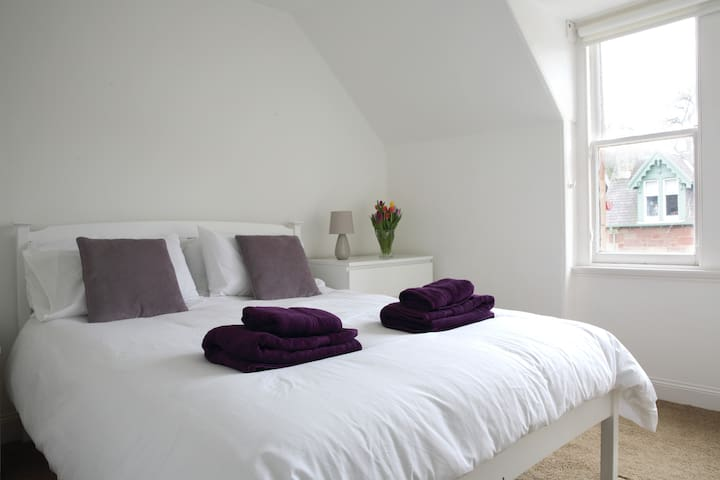 Cozy Cottage by the Sea - North Berwick - House