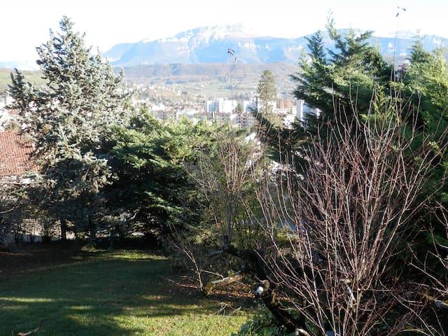 Maison superbe vue sur la Chartreus - Voiron - Casa