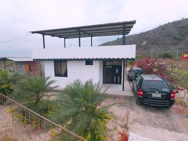 Hermosa Casa en Crucita a 5 minutos de la playa