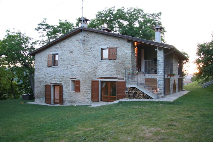 Apartment in agriturismo with swimming pool, surrounded by olive trees and vines