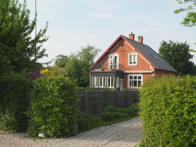 Lovely house near the sea - Humlebæk - Hus