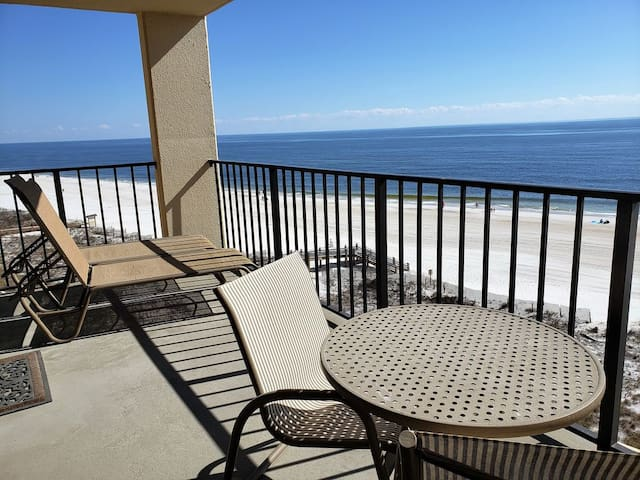 Phoenix ll - Beach Front Condo with Amazing Views