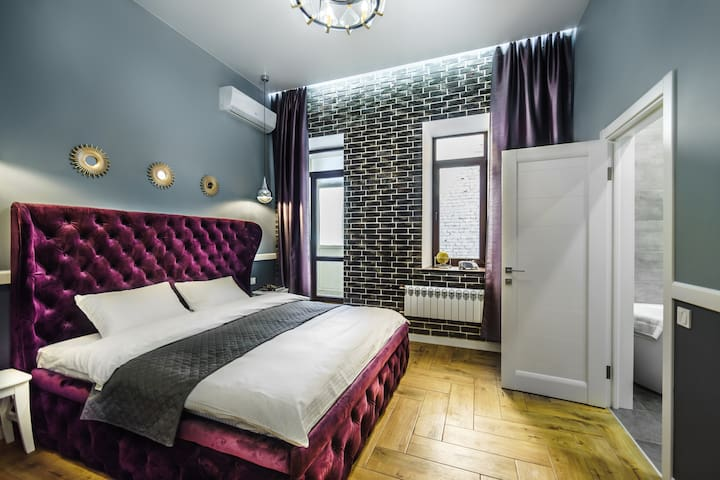 Amazing VIP Studio On Pushkinskaya Street ID 7003
