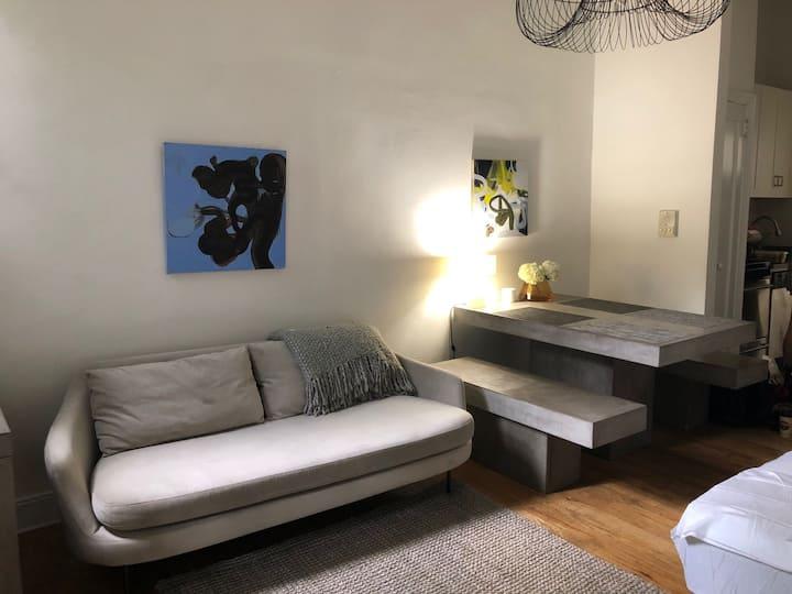 Serene, minimalist studio W Village