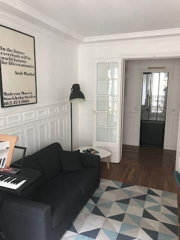 Salon avec canapé lit (deux personnes)