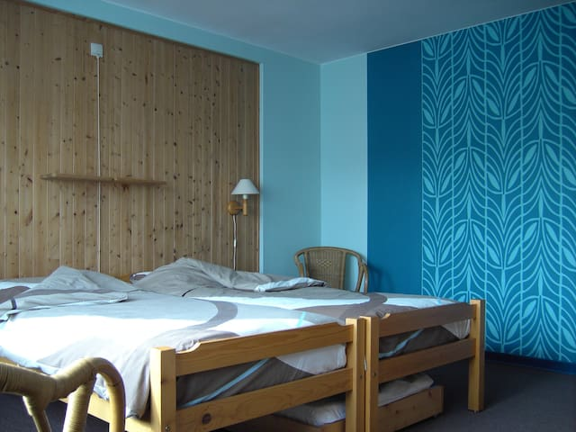 B&B, close to city, free parking and bikes (4) - Brujas - Bed & Breakfast