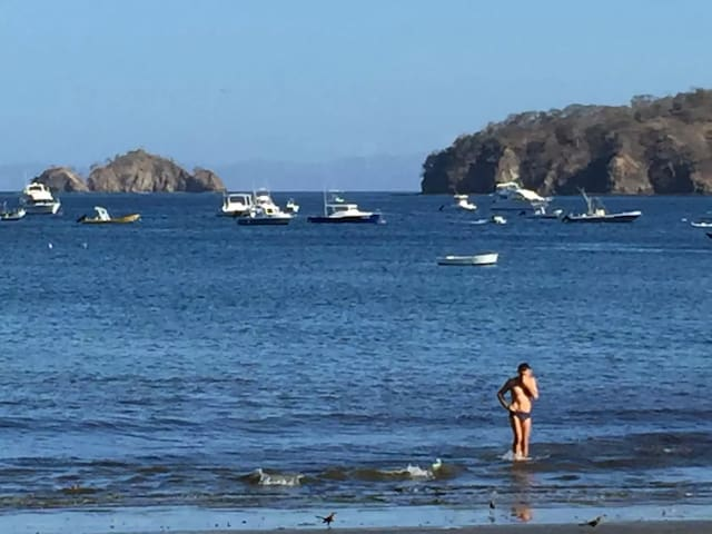 Super it is the center 2min beach the big  pool Wi - Guanacaste Province - Appartement