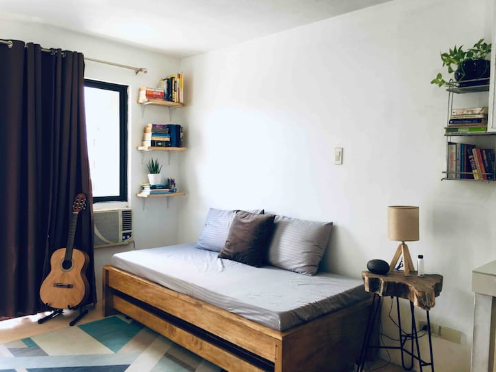Studio condo unit for short and long term rental