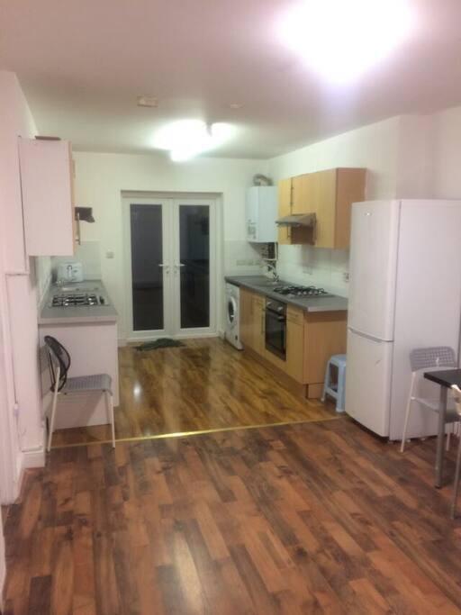 Kitchen & Diner Area