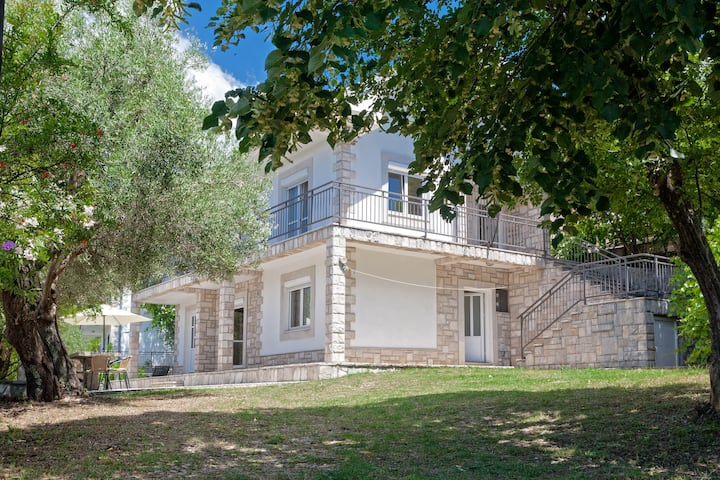 Villa With Private Pool, Herceg Novi
