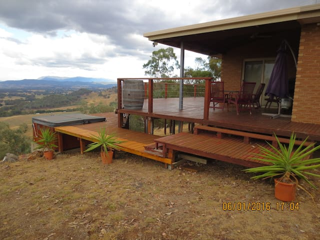 Magnificent Ovens Valley views - Markwood - House