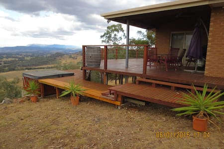 Magnificent Ovens Valley views - Markwood