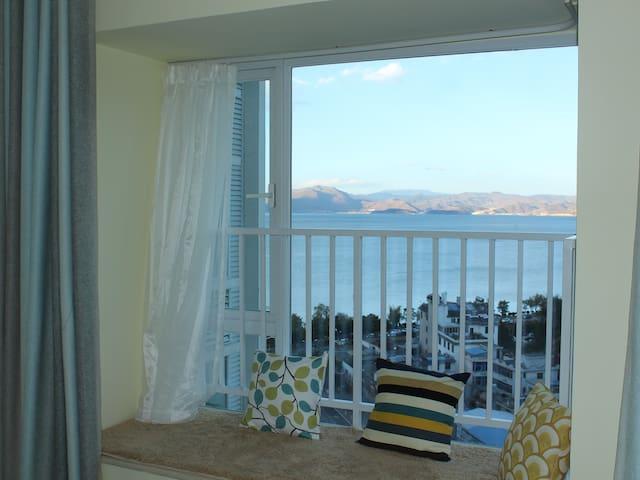 大理洱海公园旁两居室海景公寓整租