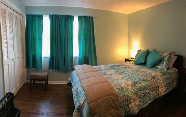 Private 1BR Near DT GR Perfect 4 Work Trip/Getaway