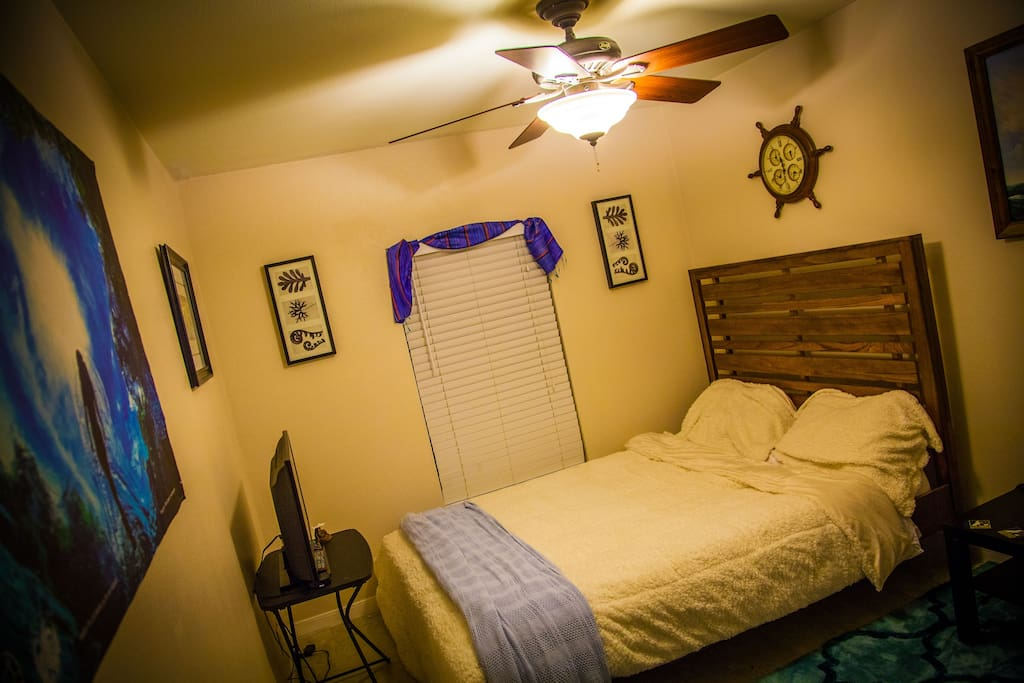 Ocean Bedroom 2 - The room is spacy and cozy, with a TV as well!
