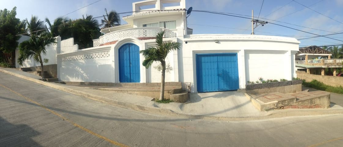 Great house close to the beach