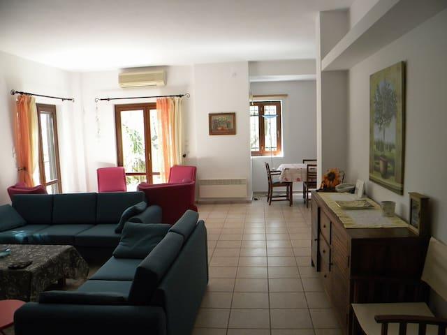 Villa Abovos - Afissos - Casa de camp