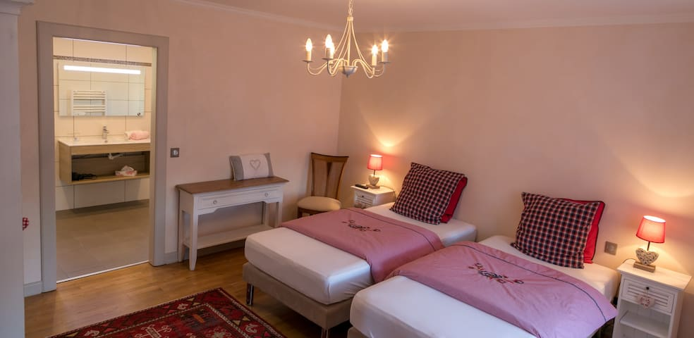 """Les chambres chez Christine""""Cœur d'Alsace 3clés"""""""