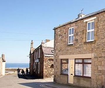 Harbour Snug Seahouses, close to the sea. - Seahouses - Apartemen