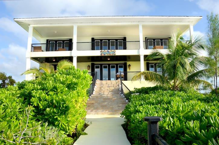 San Salvador Bahamas - Serenity Mansion Oasis