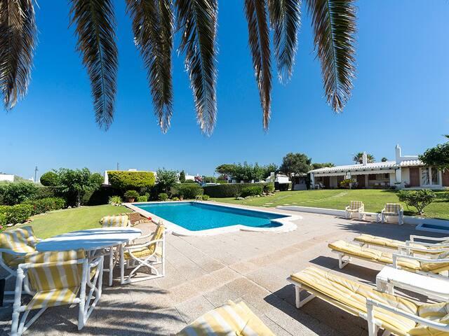 Enchanting Menorcan villa with beautiful sea views - Binibequer - Villa