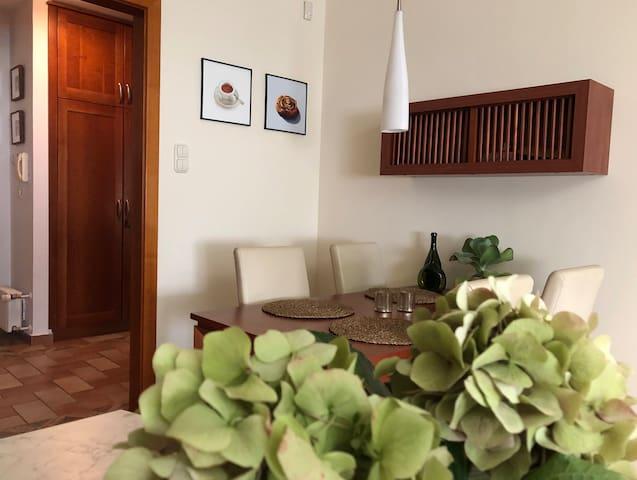 Best location boutique apartment with designer art