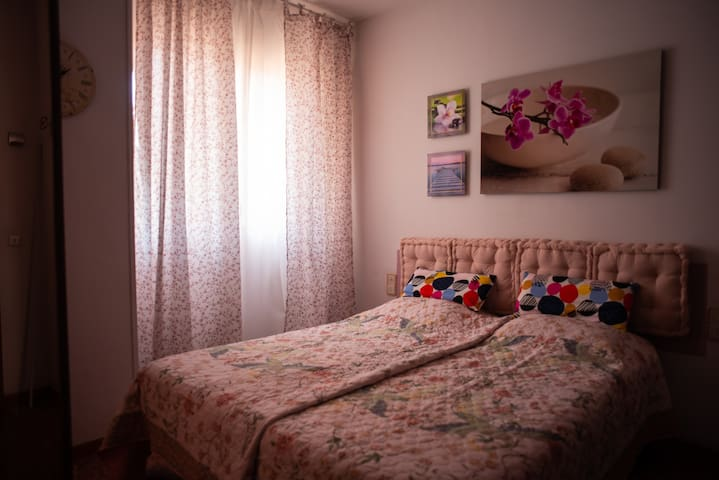 2 personal bedroom, 2-4 pers, quiet centric flat
