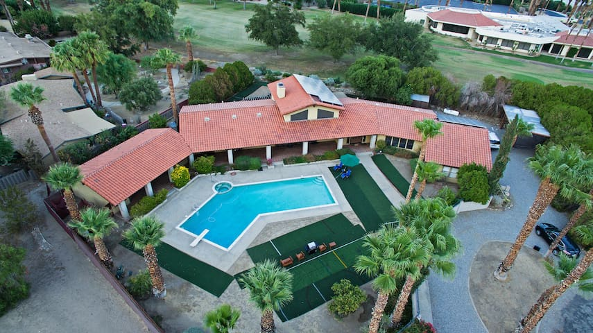 5BR Borrego Springs House w/ Private Pool!