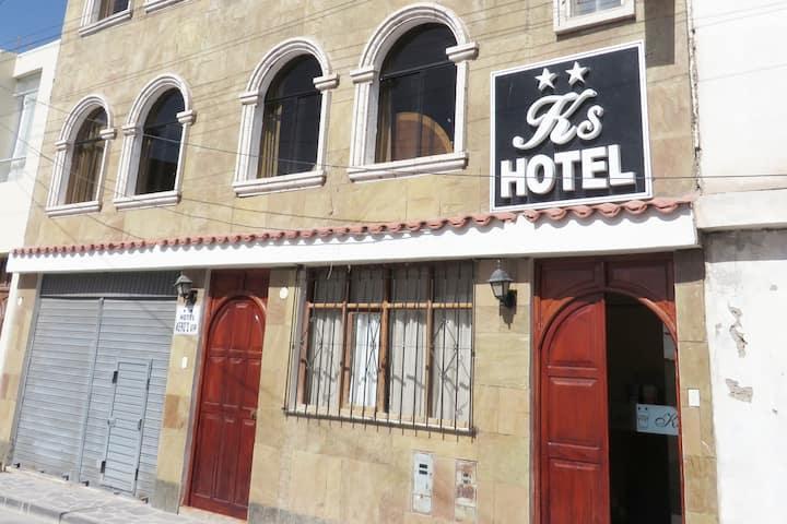HOTEL KEROS VIP CHIVAY