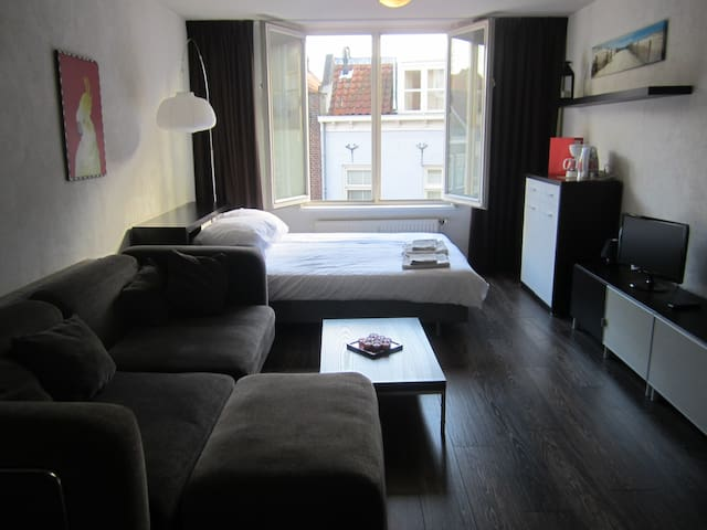 Studio Apartment in old city centre - Middelburg - Apartamento