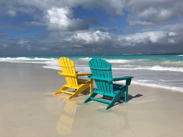 Amazing Beach Villa, 2-3 BR, Casa Del Mar, Exuma
