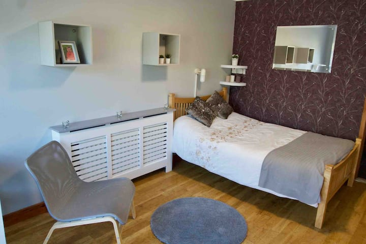 Spacious Double Room w/ En-Suite