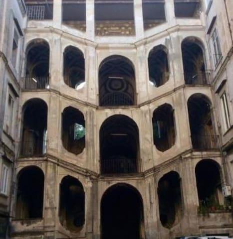 Palazzo Sanfelice a pochi passi da casa vacanza San felice