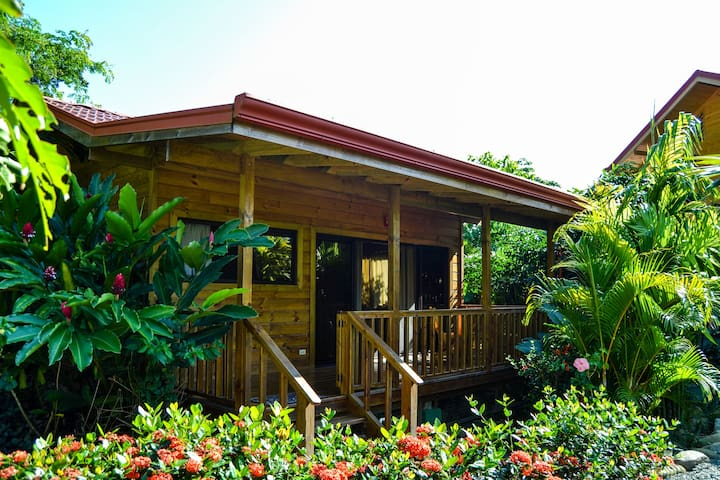 Comfortable bungalow near Ballena National Park - Uvita - Bungalow