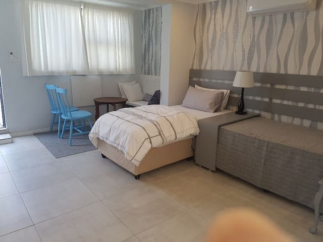Lovely studio apartament with walk to the beach