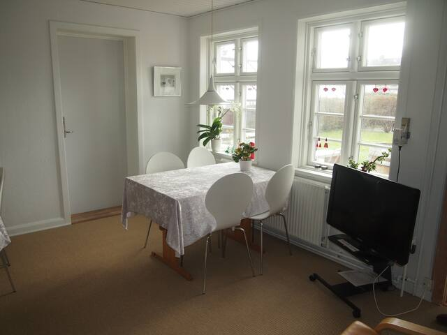 Room 3 - for 2 persons in renovated Aarhus B&B - Risskov - Bed & Breakfast