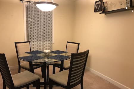 15 Mins from D.C - Lincolnia - Apartment