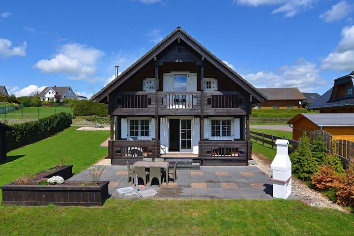 Chalet de lujo en Medebach Sauerland con jardín privado