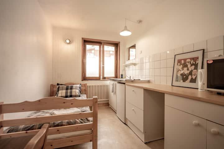 Private room close to Tignes Le Lac centre