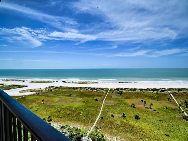Landmark Tower 1707 Charming 17th Floor Oceanfront Condo