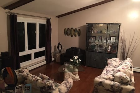 Warm & Private Room Available - East Hartford